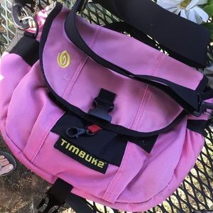 Timbuktu gorgeous pink nylon sporty crossbody bag